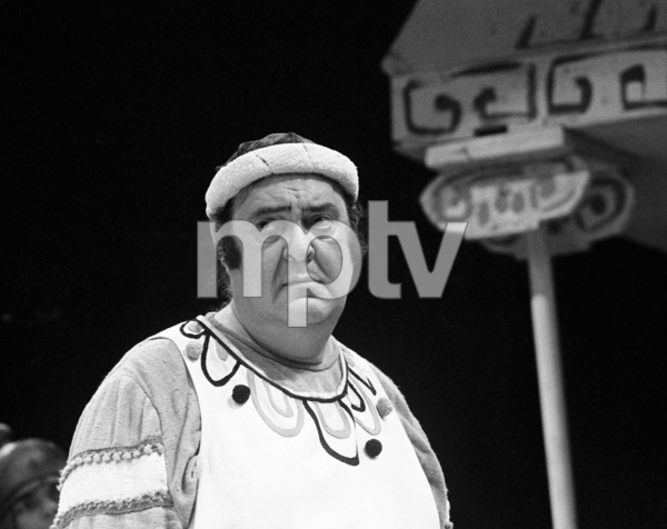 """Zero Mostel performing in """"A Funny Thing Happened on the way to the Forum"""" at Westbury Music Fair in New York1973 © 1978 Barry Kramer - Image 24354_0081"""