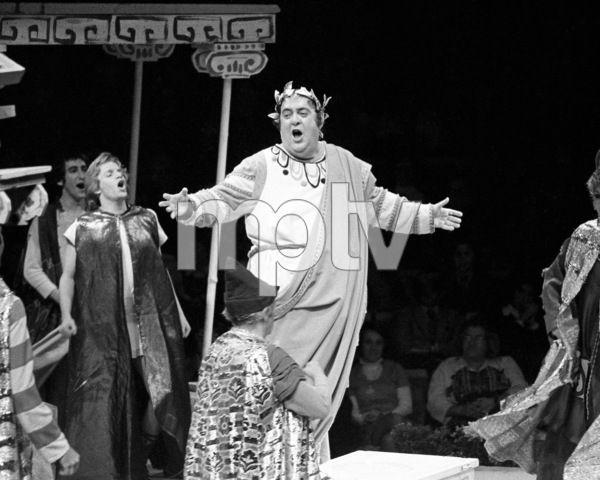 """Zero Mostel performing in """"A Funny Thing Happened on the way to the Forum"""" at Westbury Music Fair in New York1973 © 1978 Barry Kramer - Image 24354_0082"""