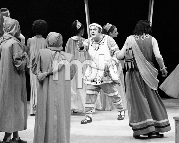 """Zero Mostel performing in """"A Funny Thing Happened on the way to the Forum"""" at Westbury Music Fair in New York 1973© 1978 Barry Kramer - Image 24354_0151"""