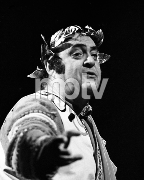 """Zero Mostel performing in """"A Funny Thing Happened on the way to the Forum"""" at Westbury Music Fair in New York 1973© 1978 Barry Kramer - Image 24354_0152"""