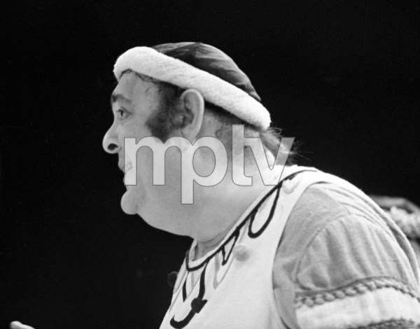 "Zero Mostel performing in ""A Funny Thing Happened on the way to the Forum"" at Westbury Music Fair in New York 1973© 1978 Barry Kramer - Image 24354_0153"