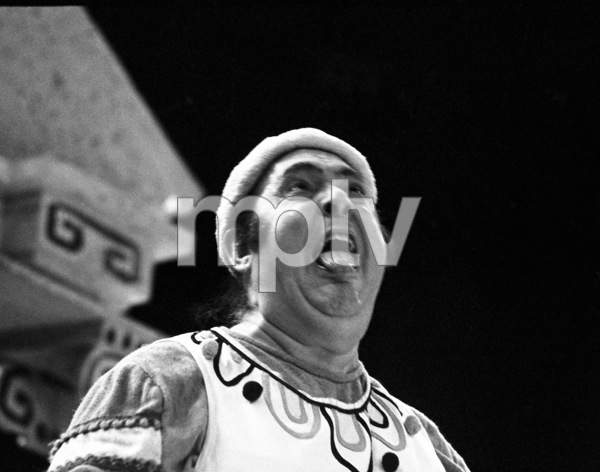 "Zero Mostel performing in ""A Funny Thing Happened on the way to the Forum"" at Westbury Music Fair in New York 1973© 1978 Barry Kramer - Image 24354_0155"