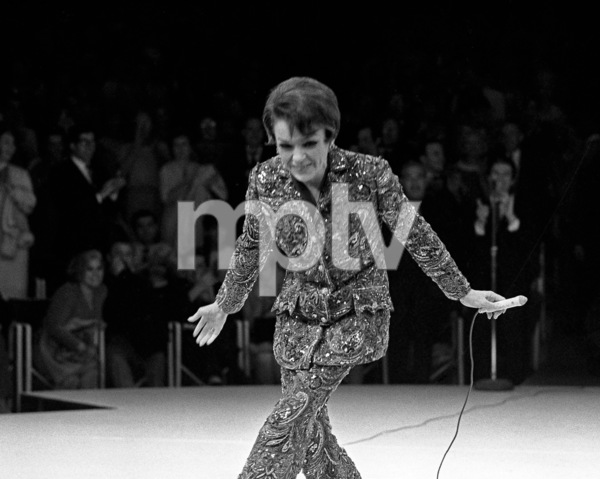 Judy Garland performing at Westbury Music Fair in New York 1967 © 1978 Barry Kramer - Image 24354_0208