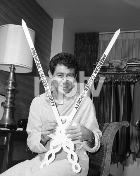 Eddie Fisher in his Americana Hotel suite1963© 1978 Barry Kramer - Image 24354_0236