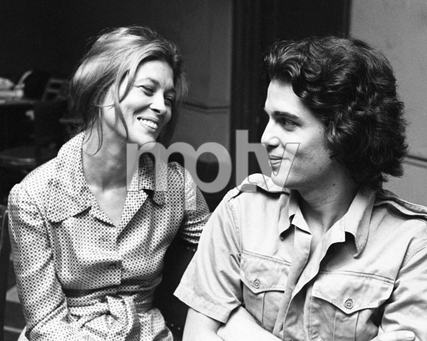 """Faye Dunaway rehearsing with Chris Sarandon for """"Candida"""" at Playhouse in the Park in New York 1971 © 1978 Barry Kramer - Image 24354_0282"""