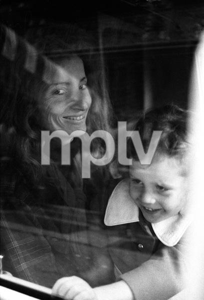 Viva Hoffmann and daughter Gabycirca 1970s© 1978 Peter Angelo Simon - Image 24364_0044