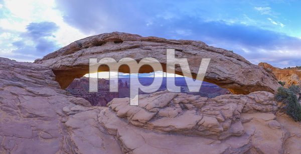 Mesa Arch in Canyonlands National Park, Utah2016© 2017 Viktor Hancock - Image 24366_0022