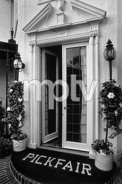 Pickfair (home of Mary Pickford and actor Buddy Rogers) in Beverly Hills 1977© 1978 Steve Banks - Image 24377_0165