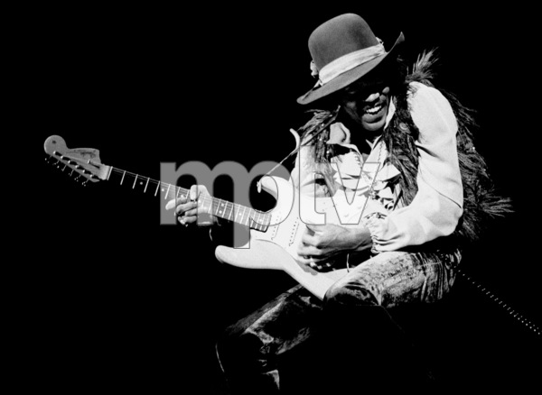 Jimi Hendrix playing Fillmore East in New York City May 10, 1968 © 1978 Steve Banks - Image 24377_0416