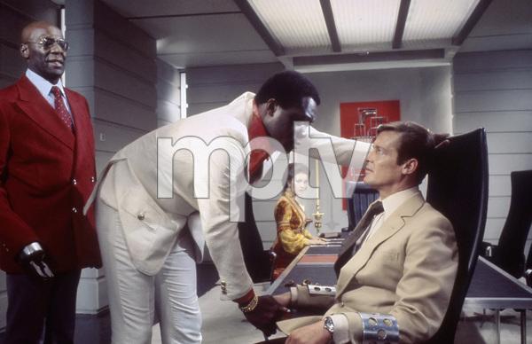"""Live and Let Die""Julius Harris, Yaphet Kotto, Jane Seymour, Roger Moore1973** I.V. - Image 24383_0724"