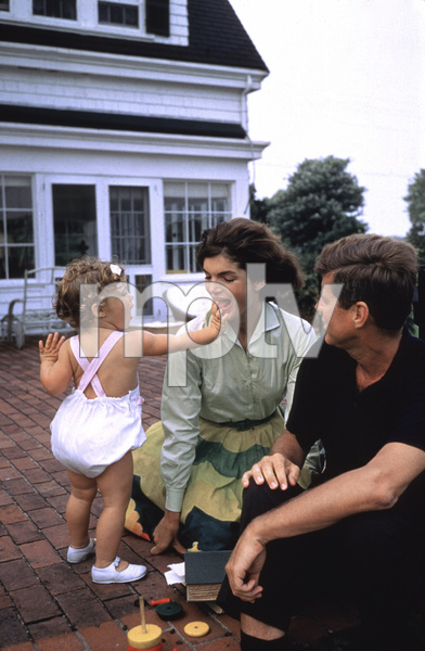 John F. Kennedy, Jacqueline Kennedy and Caroline Kennedy at Hyannis Port1959 © 2000 Mark Shaw - Image 2554_0083