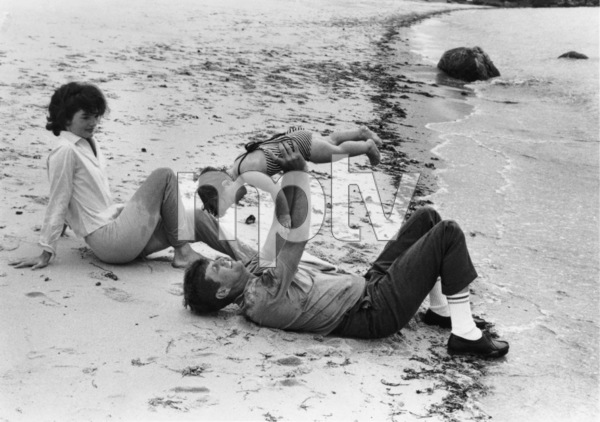 John F. Kennedy with Jacqueline and daughter Caroline at Hyannis Port1959 © 2000 Mark Shaw  - Image 2554_0113