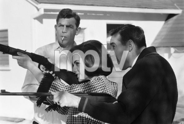 Jim Nabors shooting with Andy Griffith and Terry Thomas1967 © 1978 Gene Trindl - Image 2737_0035