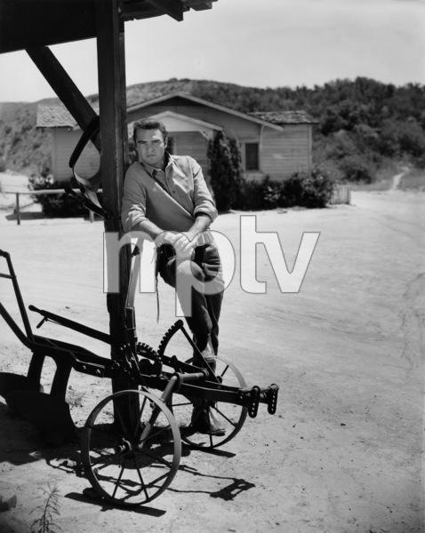 "Burt Reynolds in ""Gunsmoke""circa 1962Photo by Gabi Rona - Image 2868_0213"
