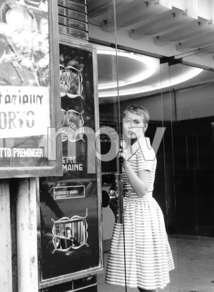 "Jean Sebergduring the filming of ""Breathless.""1959 / **I.V. - Image 2927_0055"