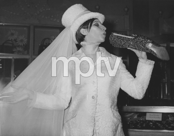 """Barbra StreisandBehind the scenes of """"MyName is Barbra""""1965 - Image 2995_0317"""