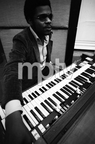 Billy Preston at a Barbra Streisand recording session 1971 © 1978 Ed Thrasher - Image 2995_0391
