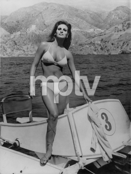 "Raquel Welchon location for "" Fathom""1967 - Image 3084_0137"