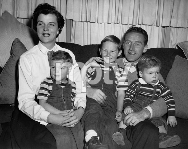 James Whitmore with his wife Nancy and their three youngsters, Stephen, James Allan III and Danny (right)circa 1954 - Image 3096_0002