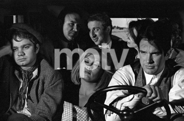 """Bonnie and Clyde""Michael J. Pollard, Faye Dunaway, Warren Beatty, Gene Hackman, Gene Wilder1967 Warner Brothers** I.V. - Image 3100_1503"