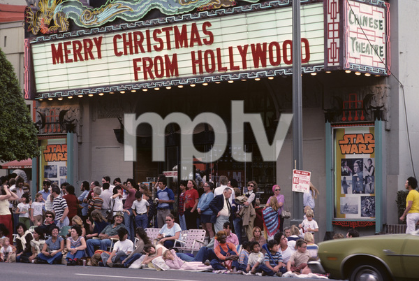 Christmas on Hollywood Blvd.1977© 1978 Ulvis Alberts - Image 3250_0038