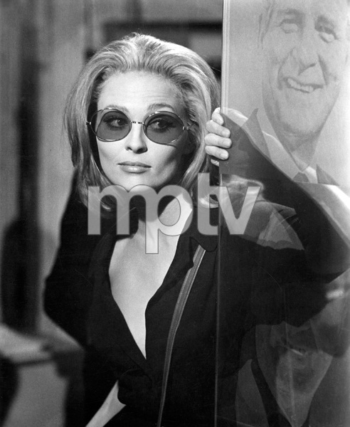 Faye Dunaway, THE ARRANGEMENT, Warner Bros, IV - Image 3272_0117