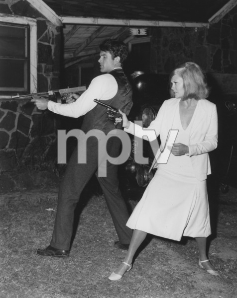 """""""Bonnie and Clyde""""Warren Beatty and Faye Dunaway1967 Warner Bros.**J.S.C. - Image 3314_0012"""