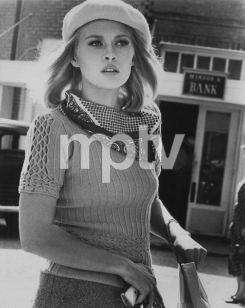 """Bonnie and Clyde""Faye Dunaway1967 Warner Bros. - Image 3314_0162"