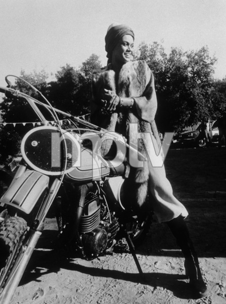 """Cleopatra Jones""Tamara Dobson1973 Warner - Image 3356_0001"
