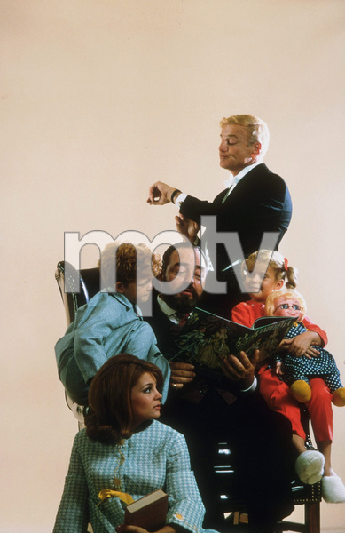 """Family Affair"" Kathy Garver, Johnny Whitaker, Sebastian Cabot, Brian Keith, Anissa Jones Nov. 1967 CBS © 1978 Gene Trindl MPTV - Image 3423_0024"