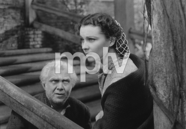 """Gone With The Wind""Thomas Mitchell, Vivien Leigh1939 MGM**I.V. - Image 3457_0239"