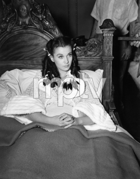 """Vivien Leigh on the set of """"Gone with the Wind""""1939 MGM** B.D.M. - Image 3457_0289"""