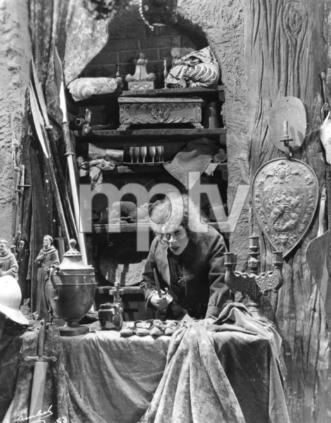 """""""The Hunchback of Notre Dame""""Lon Chaney1923 UniversalPhoto by Freulich**I.V. - Image 3494_0003"""