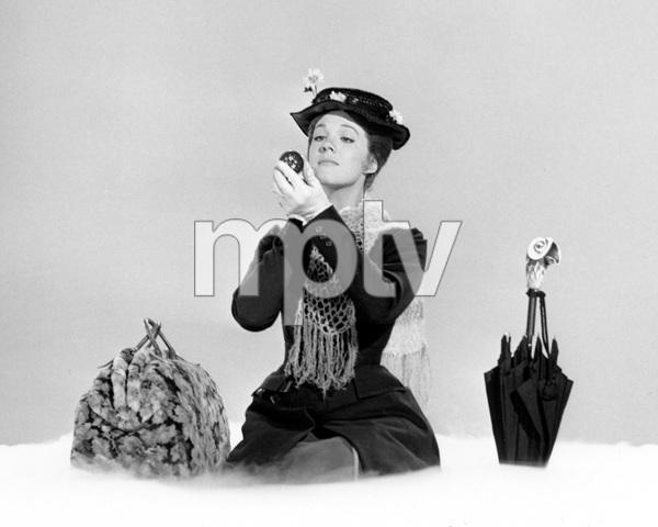 """Mary Poppins""Julie Andrews1964 Disney**I.V. - Image 3581_0046"