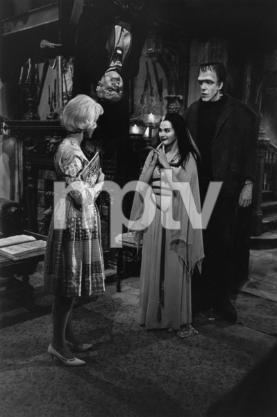 """The Munsters""Beverley Owen, Al Lewis, Yvonne De Carlo, Fred Gwynne1964© 1978 Bob Willoughby - Image 3600_0130"