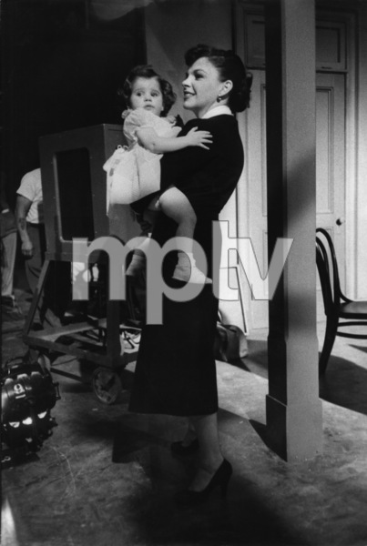 """A Star Is Born""Judy Garland and Lorna Luft on the set1954© 1978 Sanford Roth / A.M.P.A.S. - Image 3747_0144"