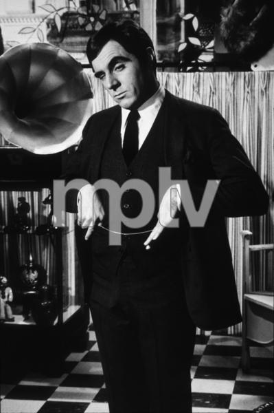 "3762-104 ""SWEET NOVEMBER""ANTHONY NEWLEY1968 WARNER BROS / MPTVPHOTO BY BERT SIX - Image 3762_104"