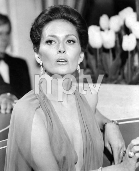 """Faye Dunaway in """"The Towering Inferno""""1974 20th Century-Fox** B.D.M. - Image 3784_0118"""