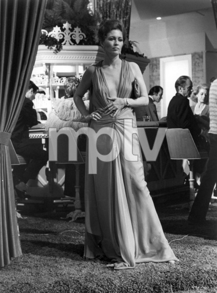 """Faye Dunaway in """"The Towering Inferno""""1974 20th Century-Fox** B.D.M. - Image 3784_0125"""