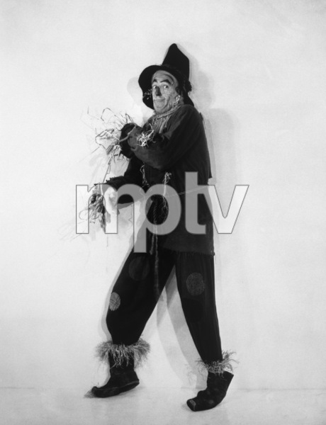 """The Wizard of Oz""Ray Bolger1939 MGM - Image 3823_0020"