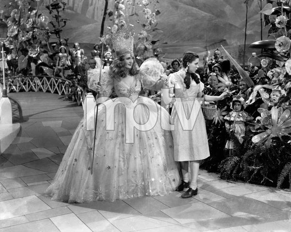 """The Wizard of Oz""Billie Burke, Judy Garland1939 MGM - Image 3823_0115"