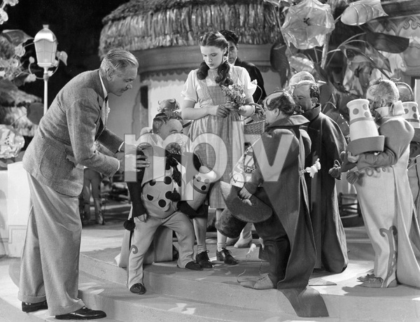 """""""The Wizard of Oz""""Director Victor Fleming, Judy Garland1939 MGM** I.V. - Image 3823_0145"""