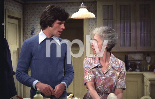"""Young and the Restless, The""Tom Hallick, Elizabeth FosterC. 1973 **H.L. - Image 3834_0015"