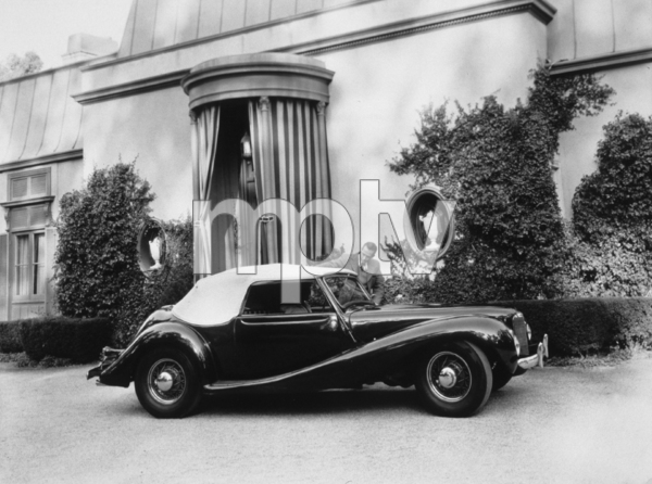 CARS 1947 ESTRADA OWNED BY WALLACE SEAWELL, &HIS FRIEND RAMSEY AMES/1948 © 1978 WALLACE SEAWELL - Image 3846_0420