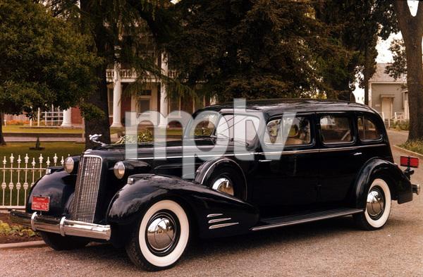 Car Category1936 Cadillac Style 5875 Fleetwood7-PassengerOwner Charles Jones © 1986 Glenn EmbreeMPTV - Image 3846_0444