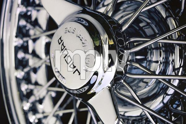 Cars1964 Jaguar E-Type2004 © 2004 Ron Avery - Image 3846_0908