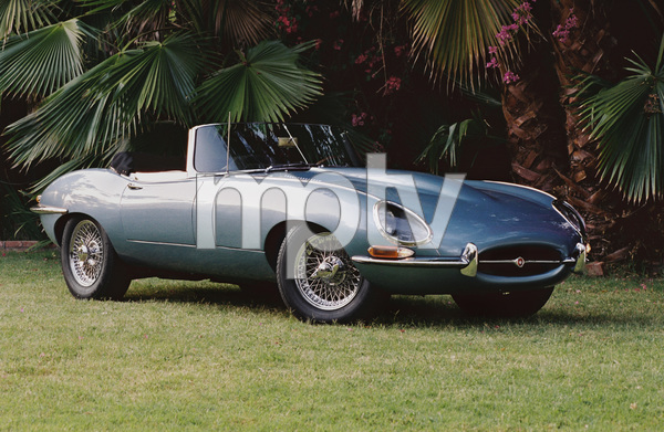 Cars1964 Jaguar E-Type2004 © 2004 Ron Avery - Image 3846_0912