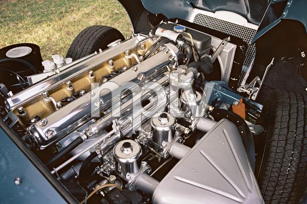 Cars1964 Jaguar E-Type2004 © 2004 Ron Avery - Image 3846_0916