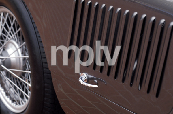 Cars1952 C-Type Jaguar © 2005 Ron Avery - Image 3846_1401
