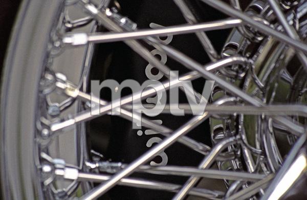 Cars1965 Jaguar 4.2 E-Type © 2005 Ron Avery - Image 3846_1494